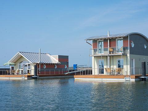 Bild der schwimmenden Häuser