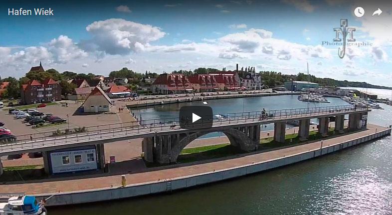 Der Hafen in Wiek